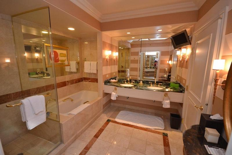 Venetian Suites Bathroom Photos