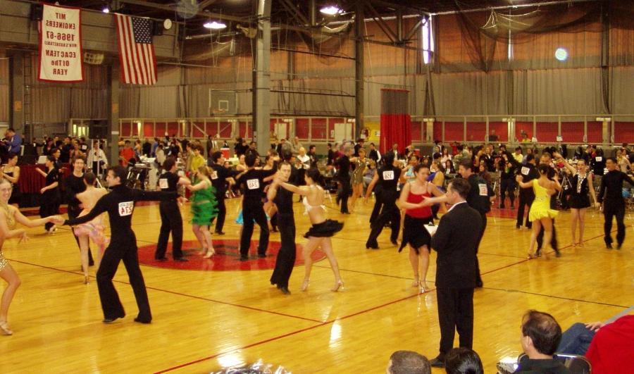 Intermediate level international style Latin dancing at the 2006...