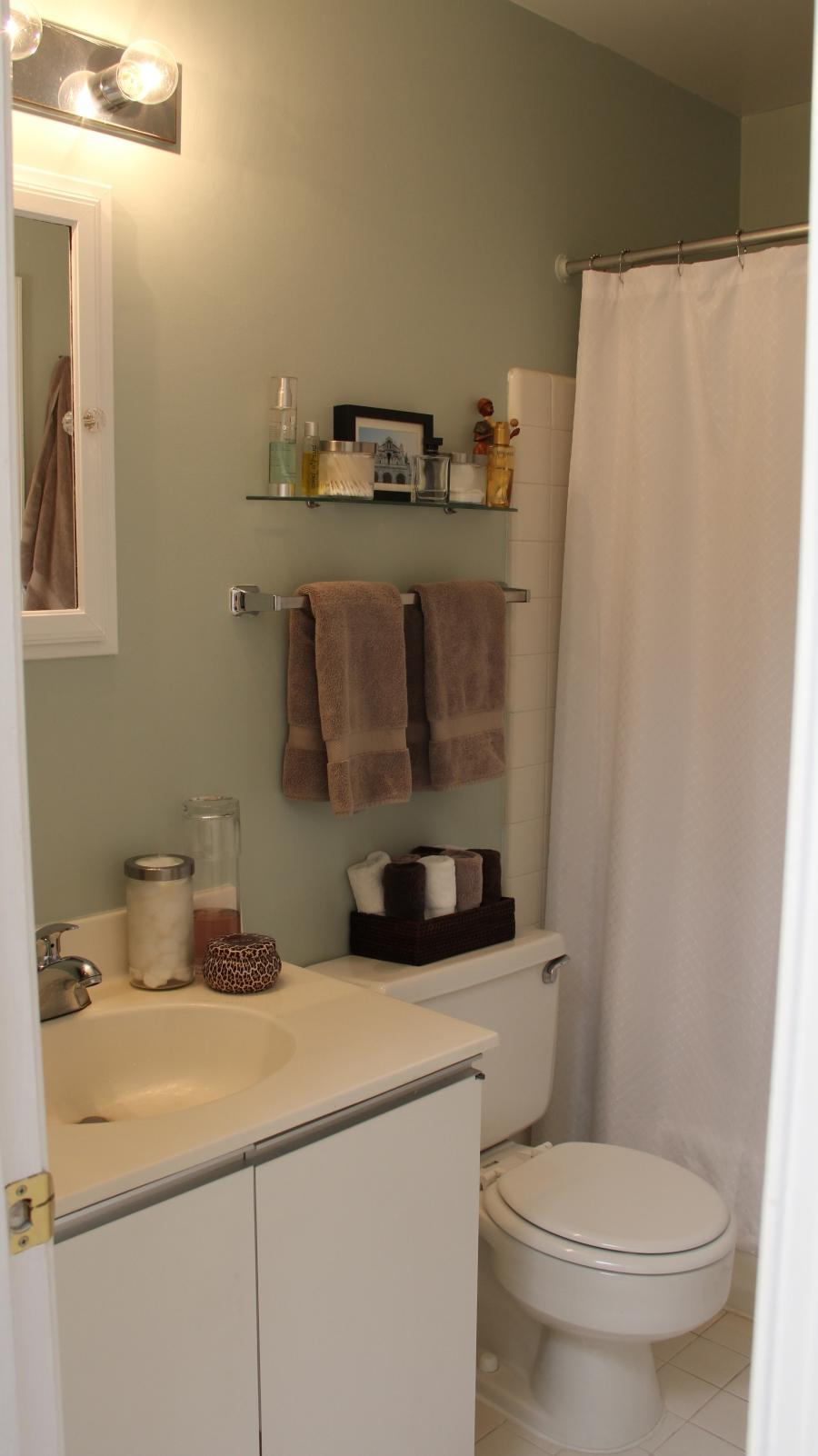 Small bathroom makeover photo - Full verandah house plans the functional extra space ...