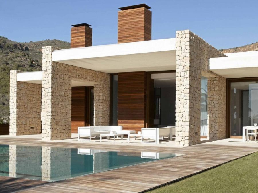 Differing Heights Wall Style Modern House Intersected Look...