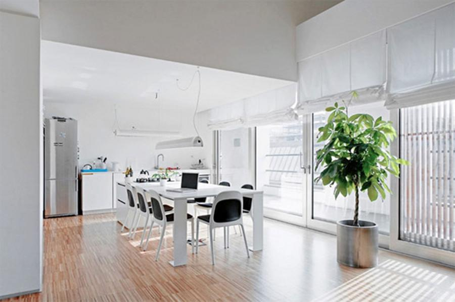 Dining Room : Modern Italian Apartment with Little Contemporary...