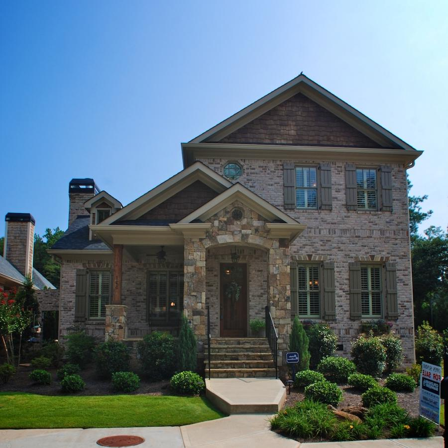Photos of brick and stone homes for Beautiful brick and stone homes