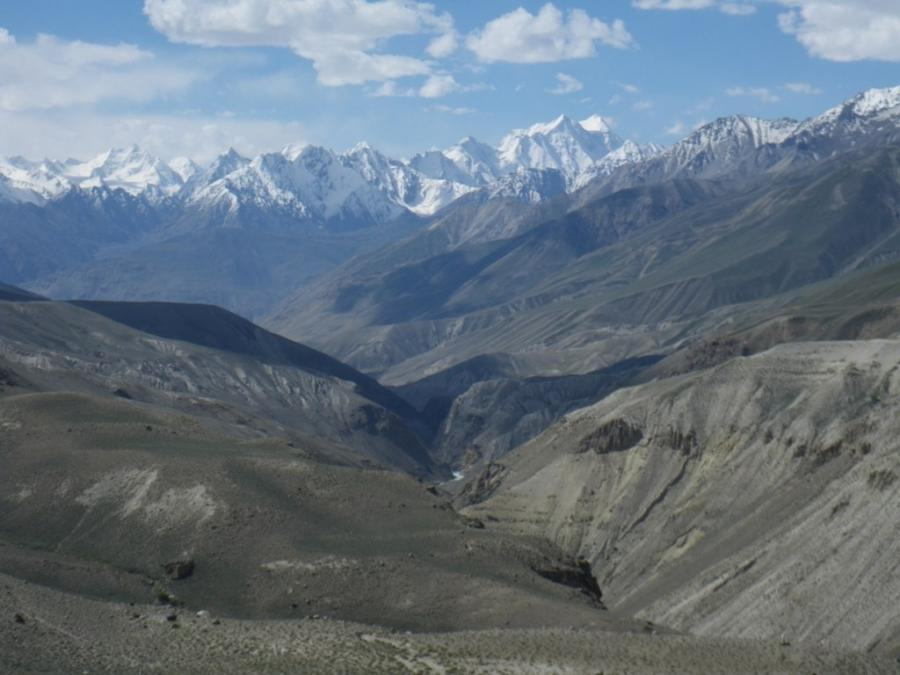 Because of the narrowness of the Wakhan Corridor, itu quite...