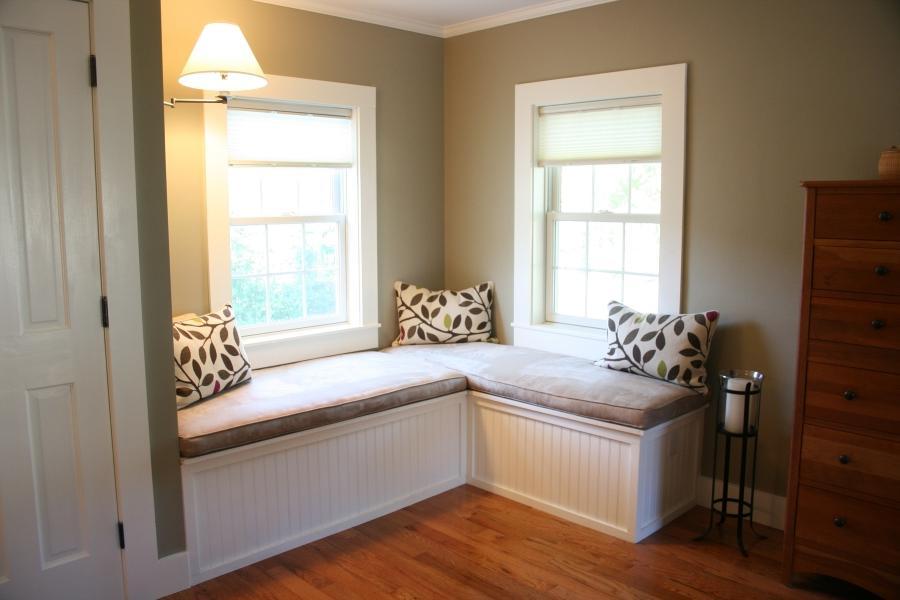 Photos bedroom window seats for Bedroom designs with window seat
