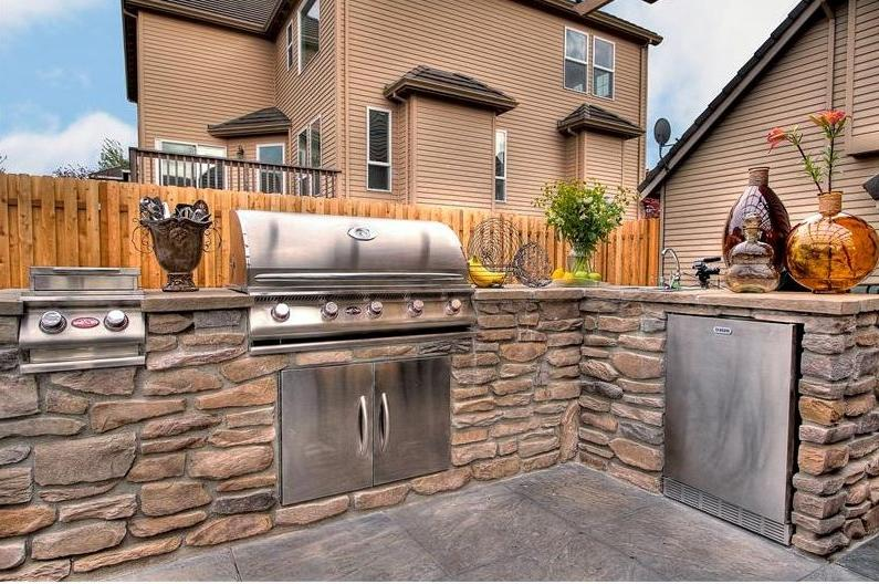 ... Inspirations Decorations Outdoor Kitchen On Small Backyard...