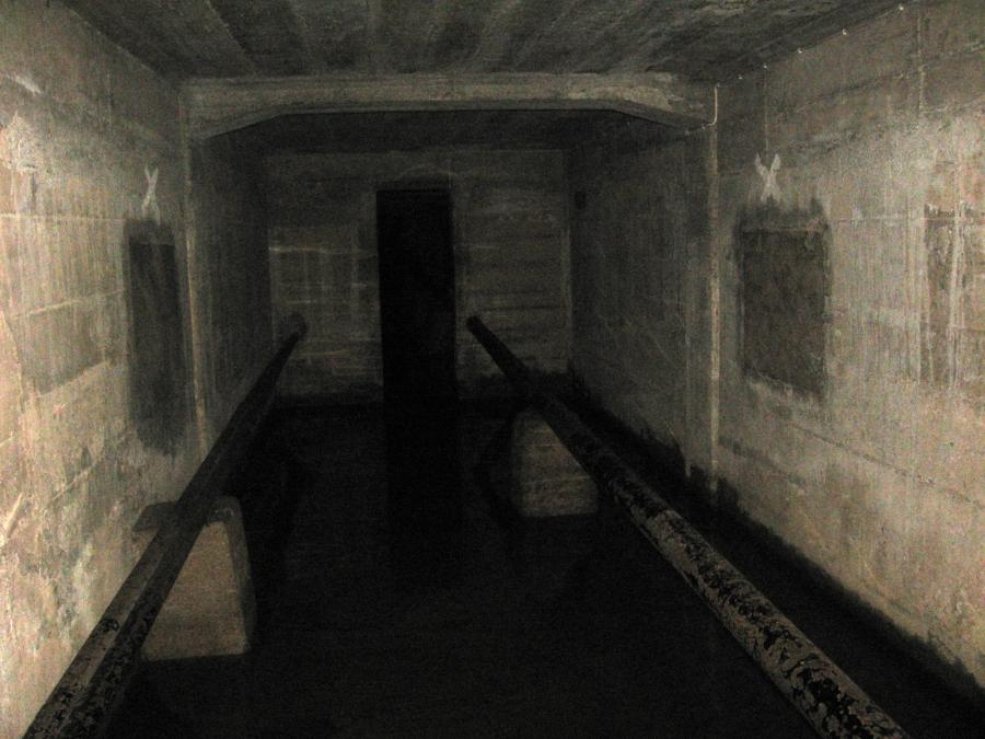 London house of detention ghost photos