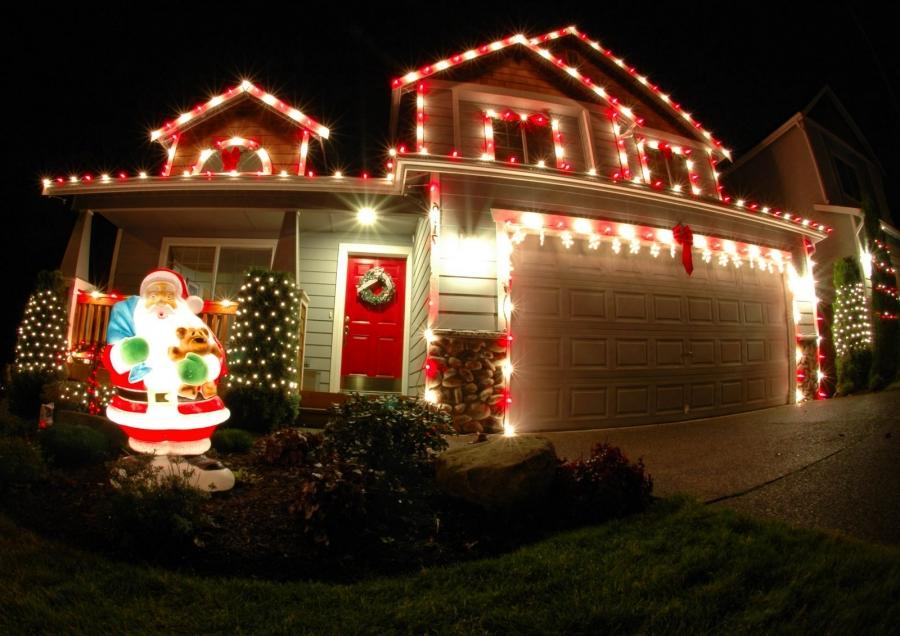Houses Decorated For Christmas Photos