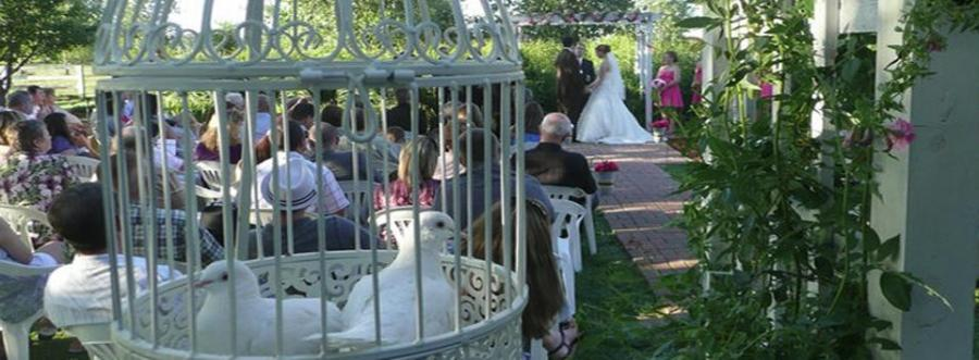 Victorian Veranda Country Inn wedding venue in Lawrence KS.