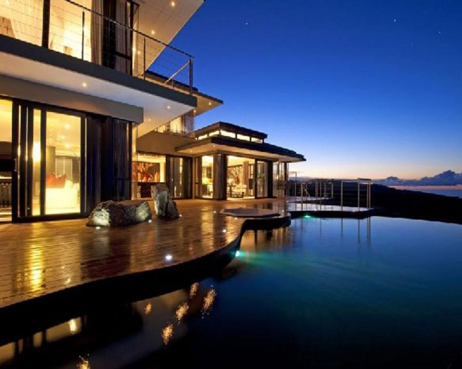 Beautiful houses interior and exterior photos for Beautiful home designs inside outside