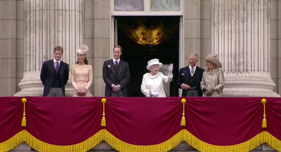 The Queen appears on the balcony of Buckingham Palace this...