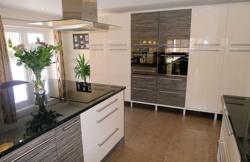 Funky kitchen photos for Kitchen ideas rightmove