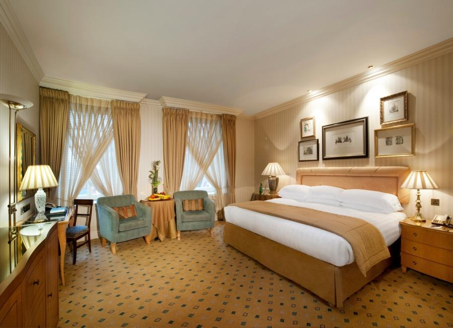 Deluxe room at the luxury 5 star London hotel