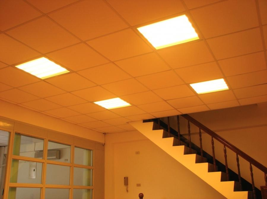 Dropped ceiling with LED lamps