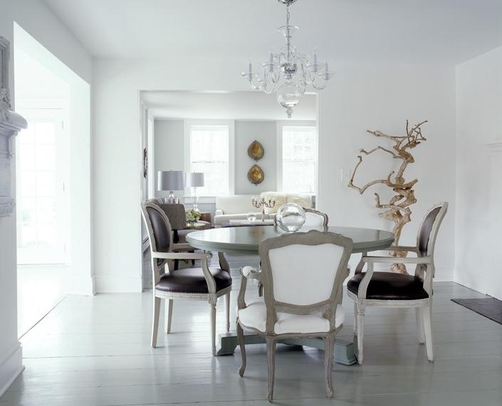 Photo courtesy of Gemma Comas Photography White Dining Room - A...