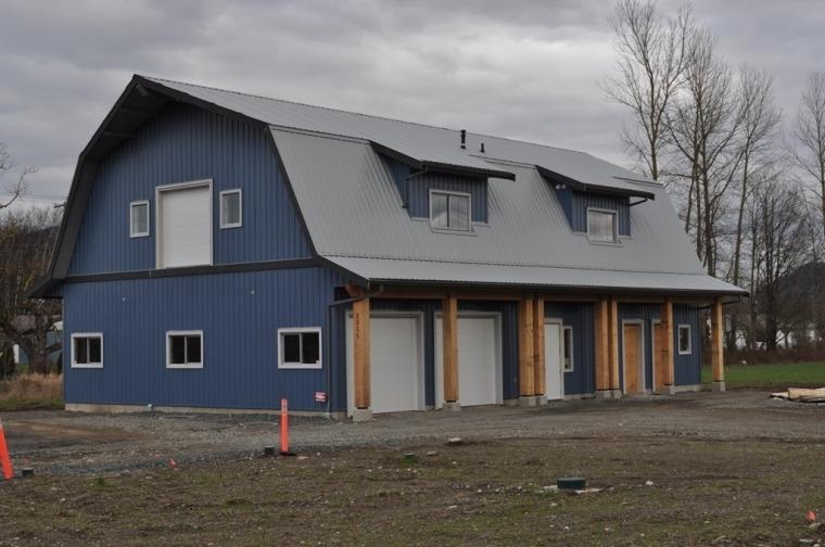 Hip Roof Barn Photos