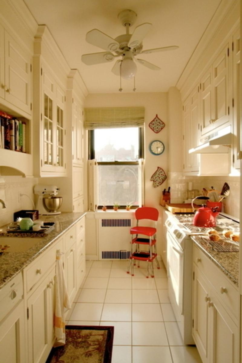 Galley kitchen photo for Small u shaped galley kitchen designs