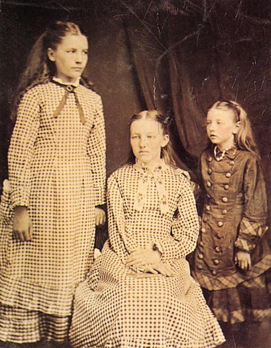 Laura ingalls little house on the prairie photo album for Laura ingalls wilder wedding dress