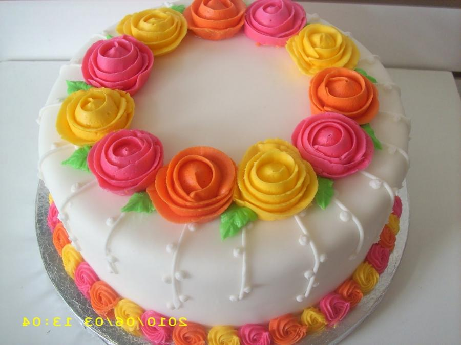 Cake Decorating Ideas Flowers : Cake decoration photo