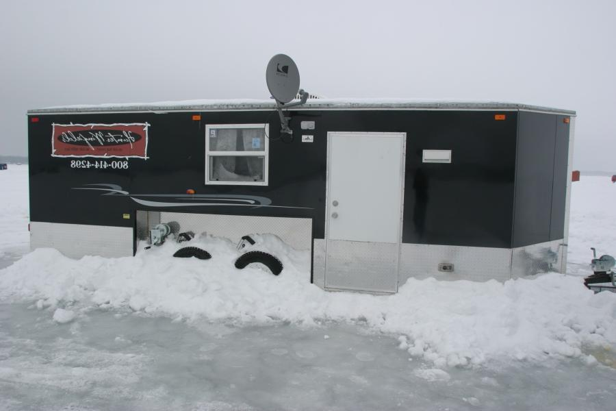 Photos ice fishing houses for Ice fishing houses on wheels