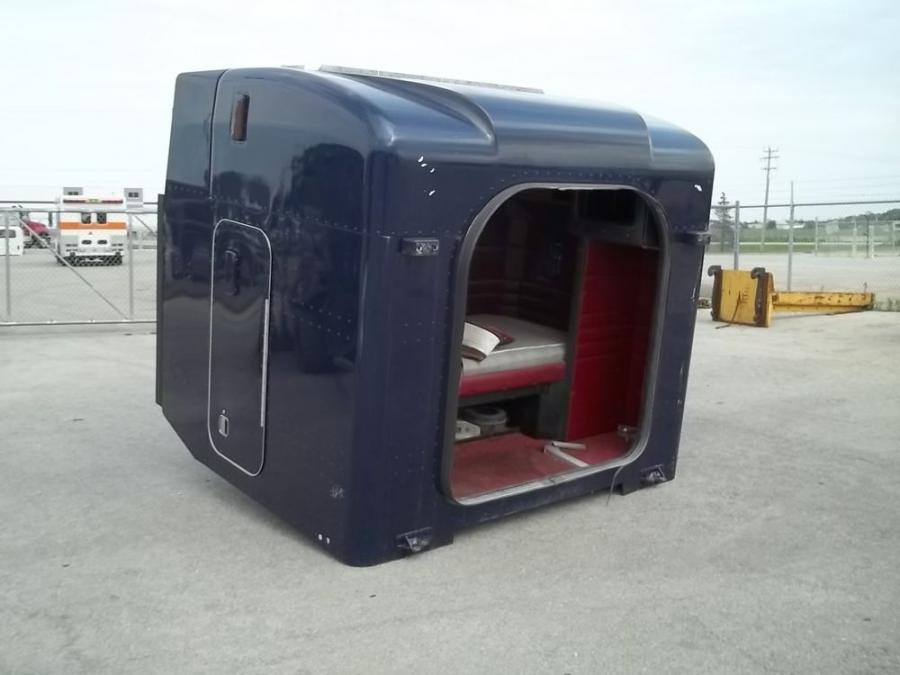 Peterbilt truck interior photos - Commercial van interiors locations ...