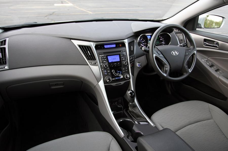 2011 Hyundai Sonata Interior Photos