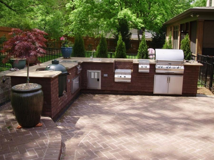 Simple outdoor kitchen photos for Simple outdoor kitchen designs