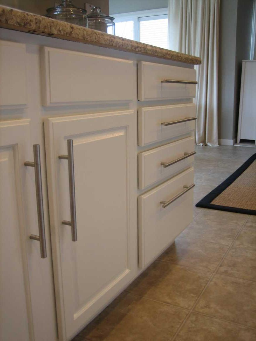 Tips In Choosing The Kitchen Cabinet Hardware Kitchen Cabinet