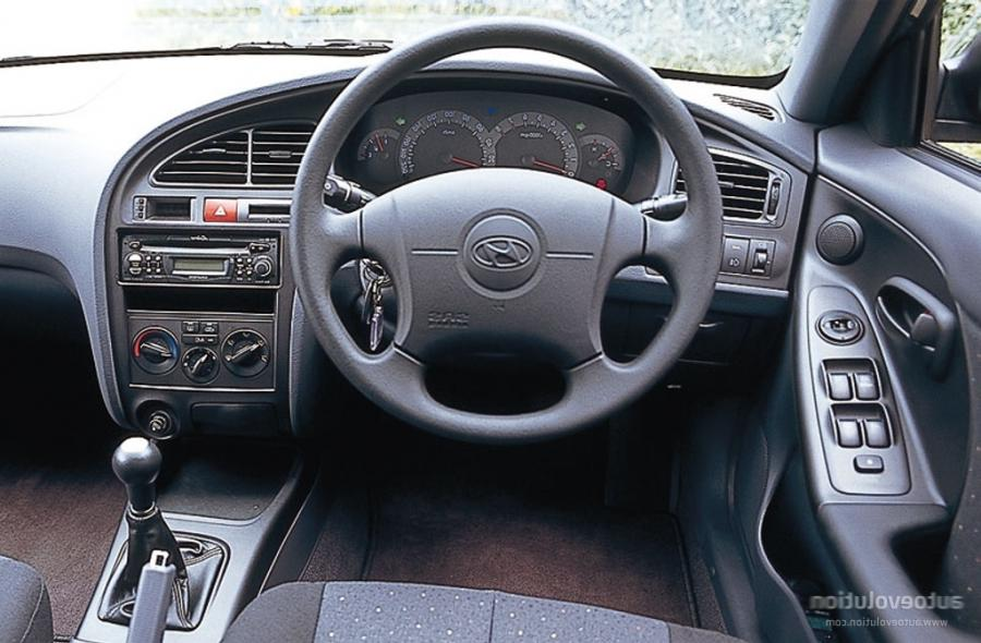 2003 Hyundai Elantra Interior Photos