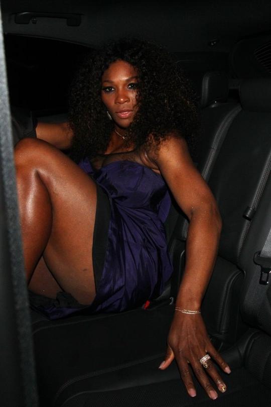 williams wardrobe malfunction Serena