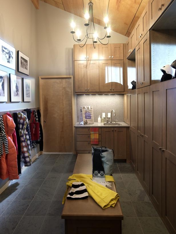 HGTV Dream Home 2011 Mudroom Holds Outerwear