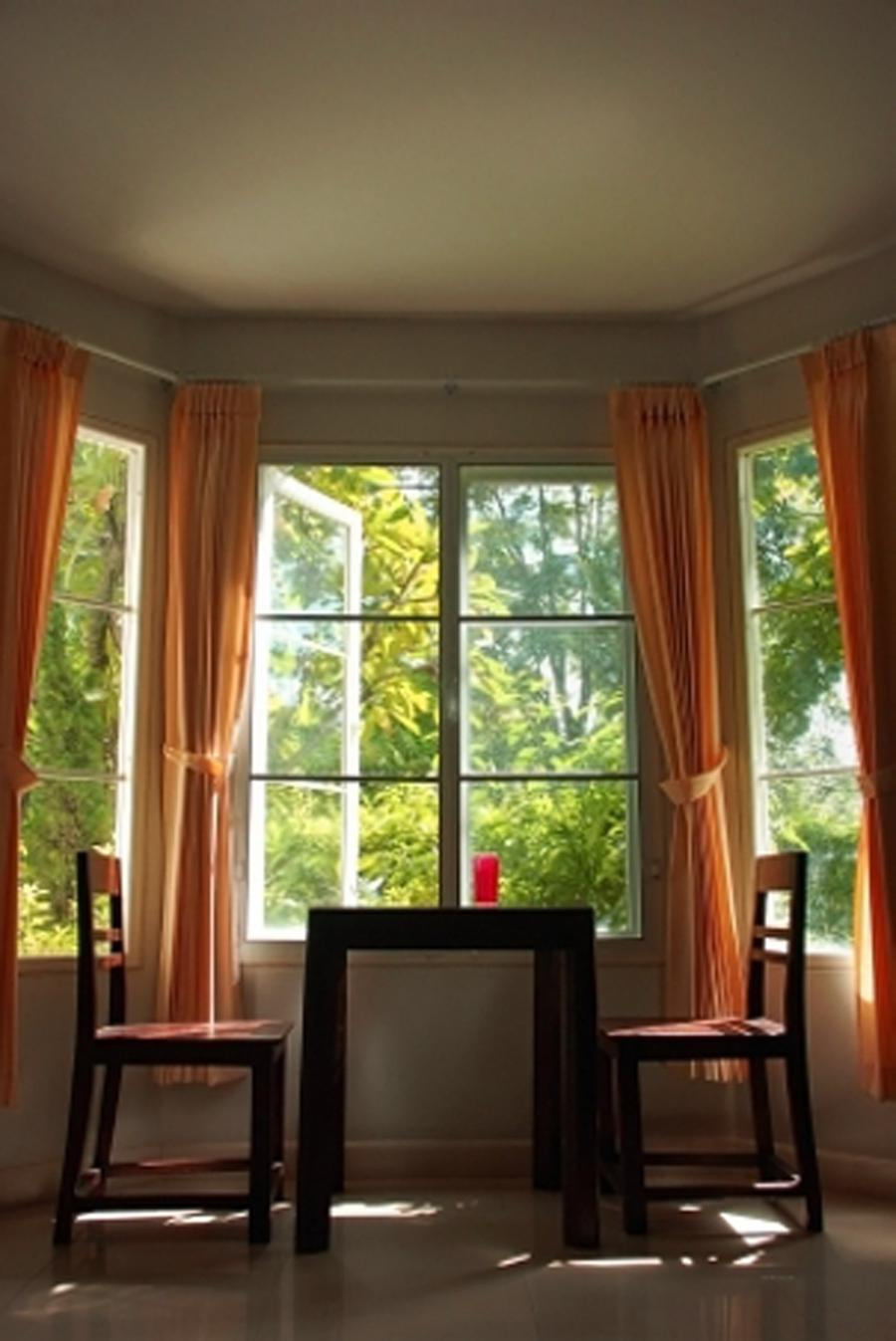 Bay window curtain designs