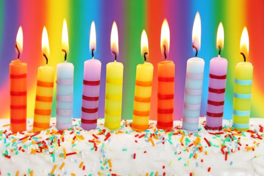 Свечи с днем рождения на торте фото