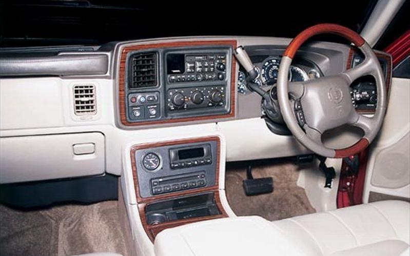 2002 Cadillac Escalade Interior Photos
