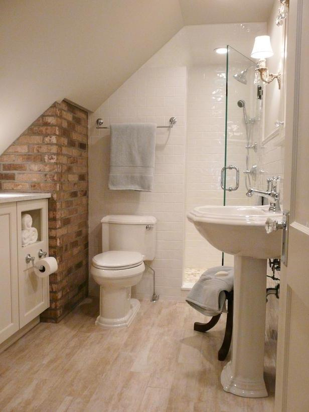 Enlarge Photo To conserve floor space in this attic bath, Julia...