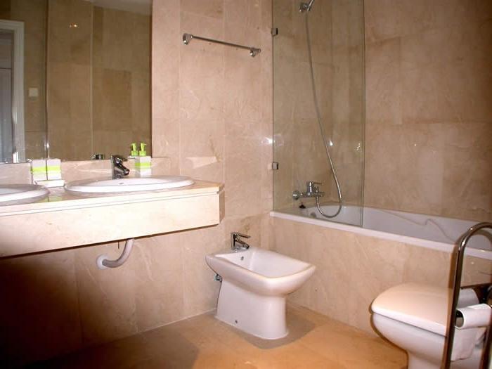 Spanish style bathrooms photos for A bathroom in spanish