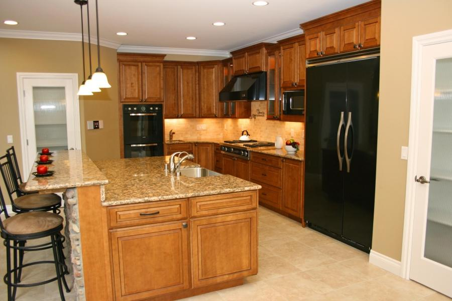Natural cherry cabinets photos for Anchorage kitchen cabinets