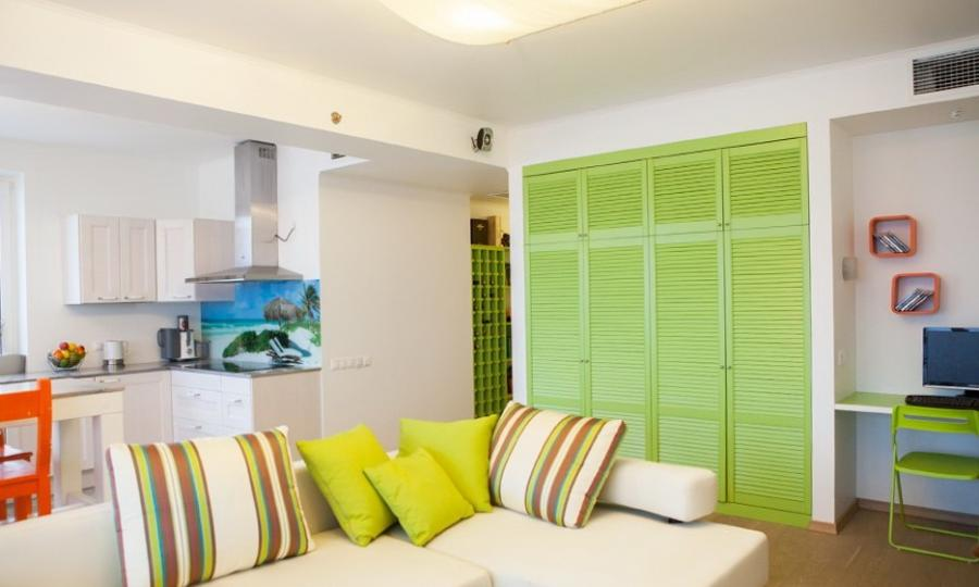 ... bright room Apartment With The Mood Of Beach: Vivid And Sunny...