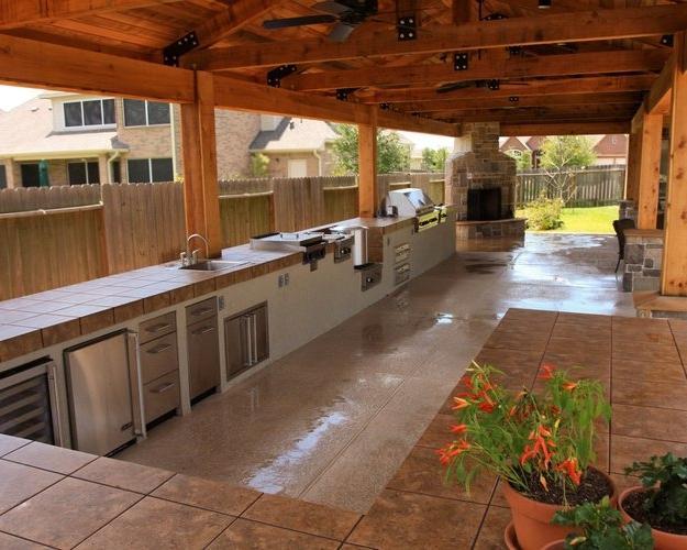 Photos of outdoor kitchens for Outdoor kitchen designs houston texas