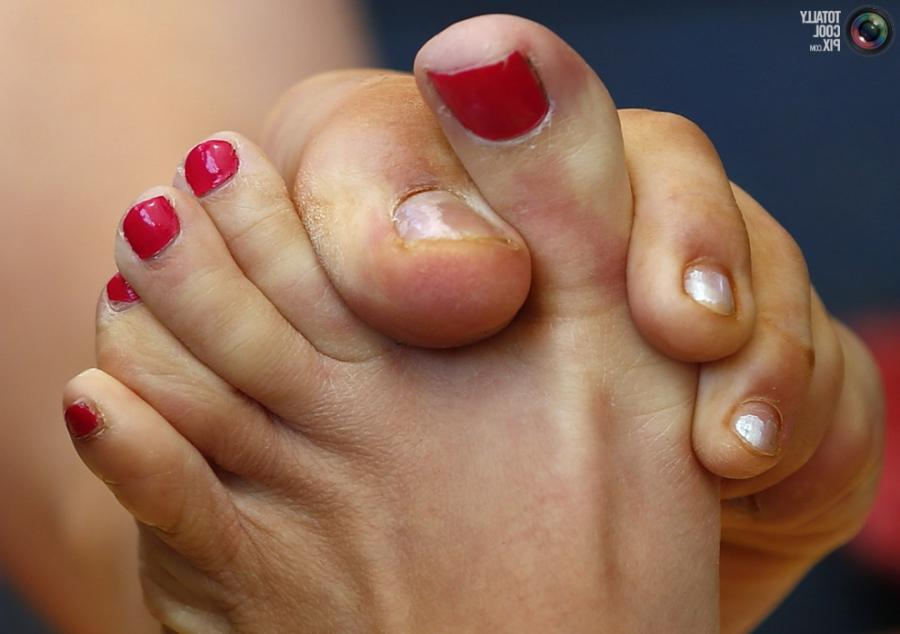 11Women wrestle during the World Toe Wrestling championships in...