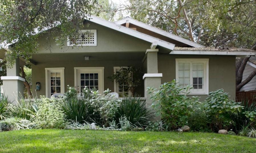 Exterior Paint Colors for Any Types of Your House : Grey Brown...