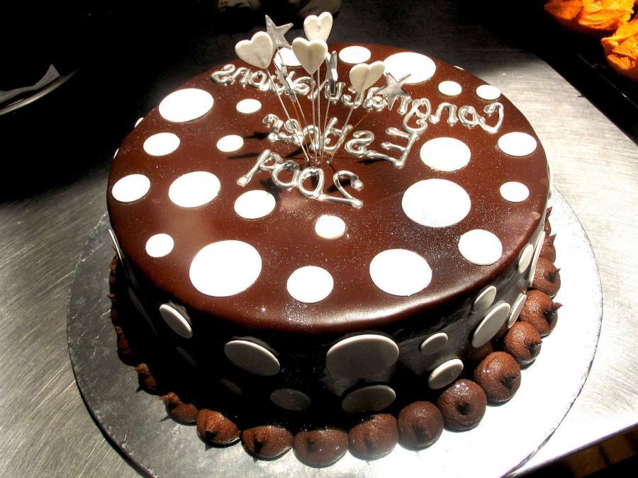 Cake Decorations In Chocolate : Chocolate cake decoration photos