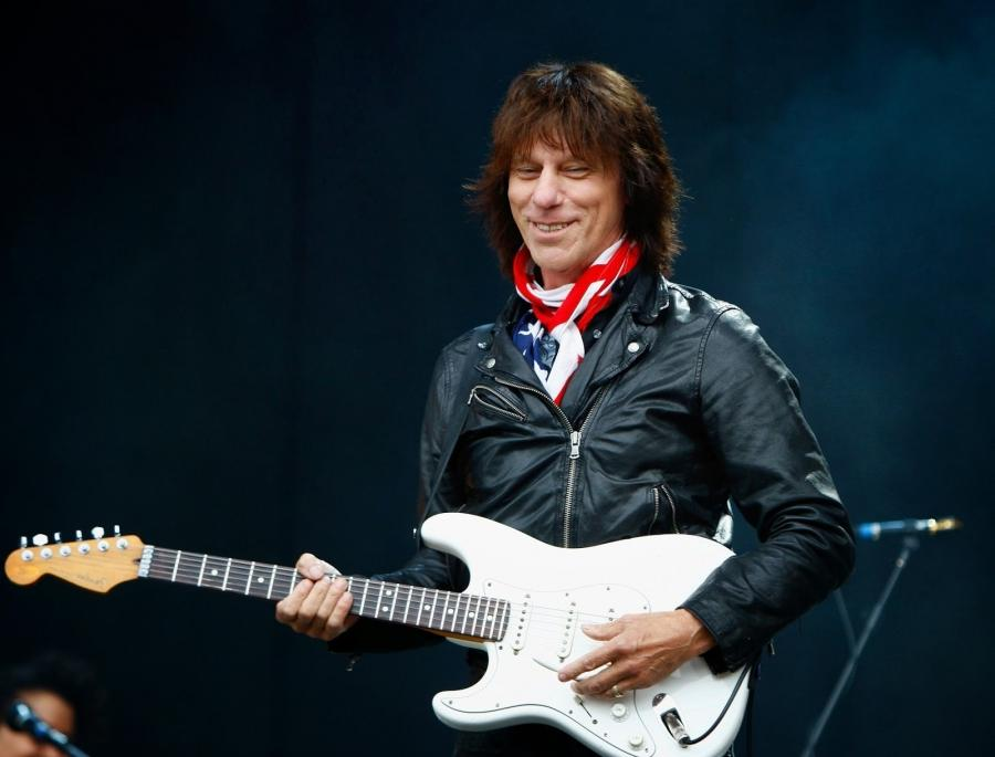 Jeff Beck: New Band, New Three-track CD...