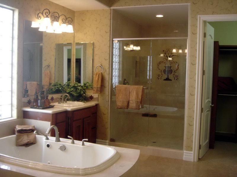 Photos of master bathroom decor for Simple master bathroom designs