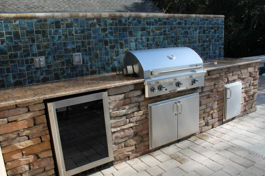 Outdoor Kitchen Backsplash Photos