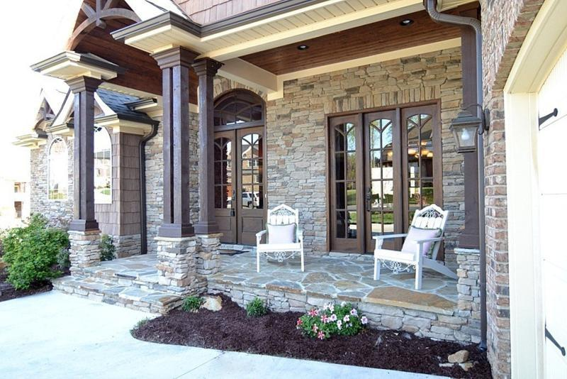 covered front porch with roman columns