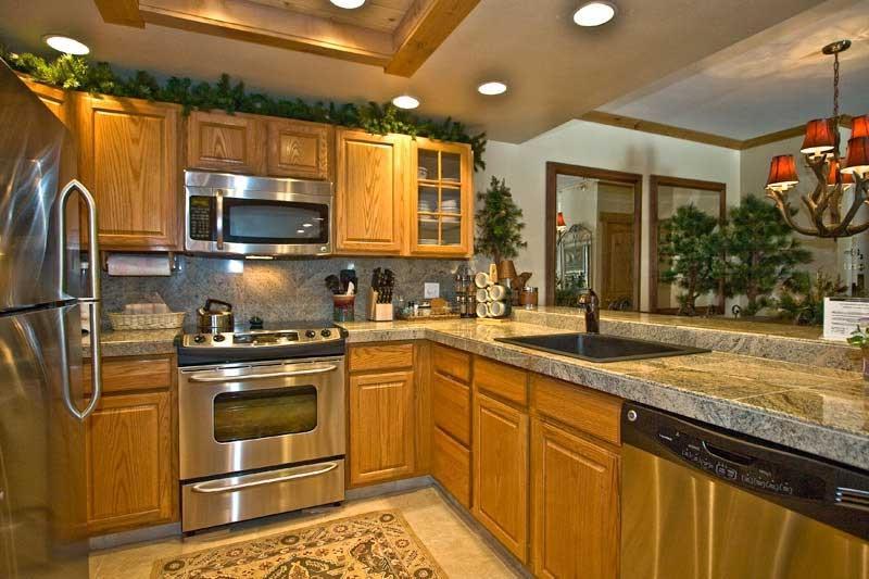 Photos of kitchens with oak cabinets - Miami design center kitchen bath closets ...