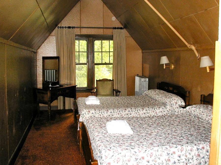 Bedroom Attic Ideas Decorating Attic Dormer Room With Double...
