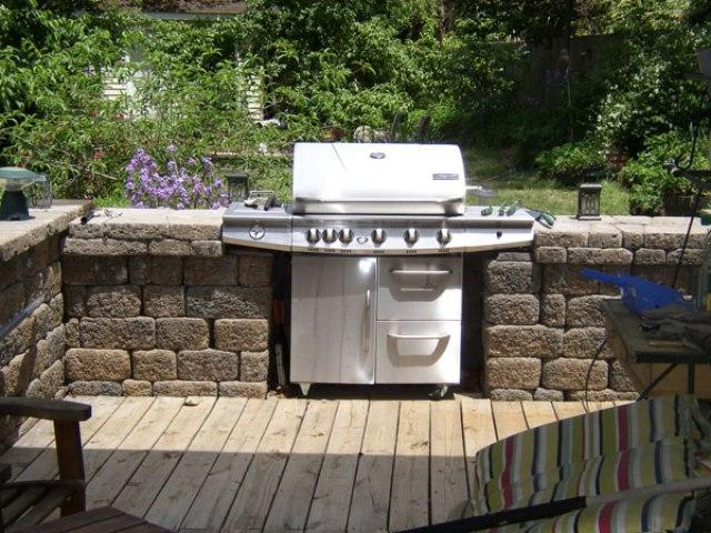 Simple outdoor kitchen photos for Easy outdoor kitchen ideas