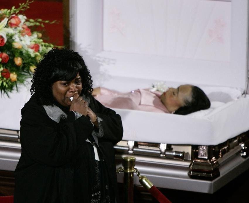 Dark blue and brown bedroom - Mourner Reacts After Viewing The Casket Of Coretta Scott King
