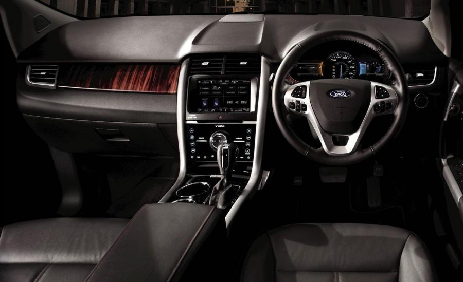 Ford Edge Interior Edge Is Designed To Fit The Customeru Need For